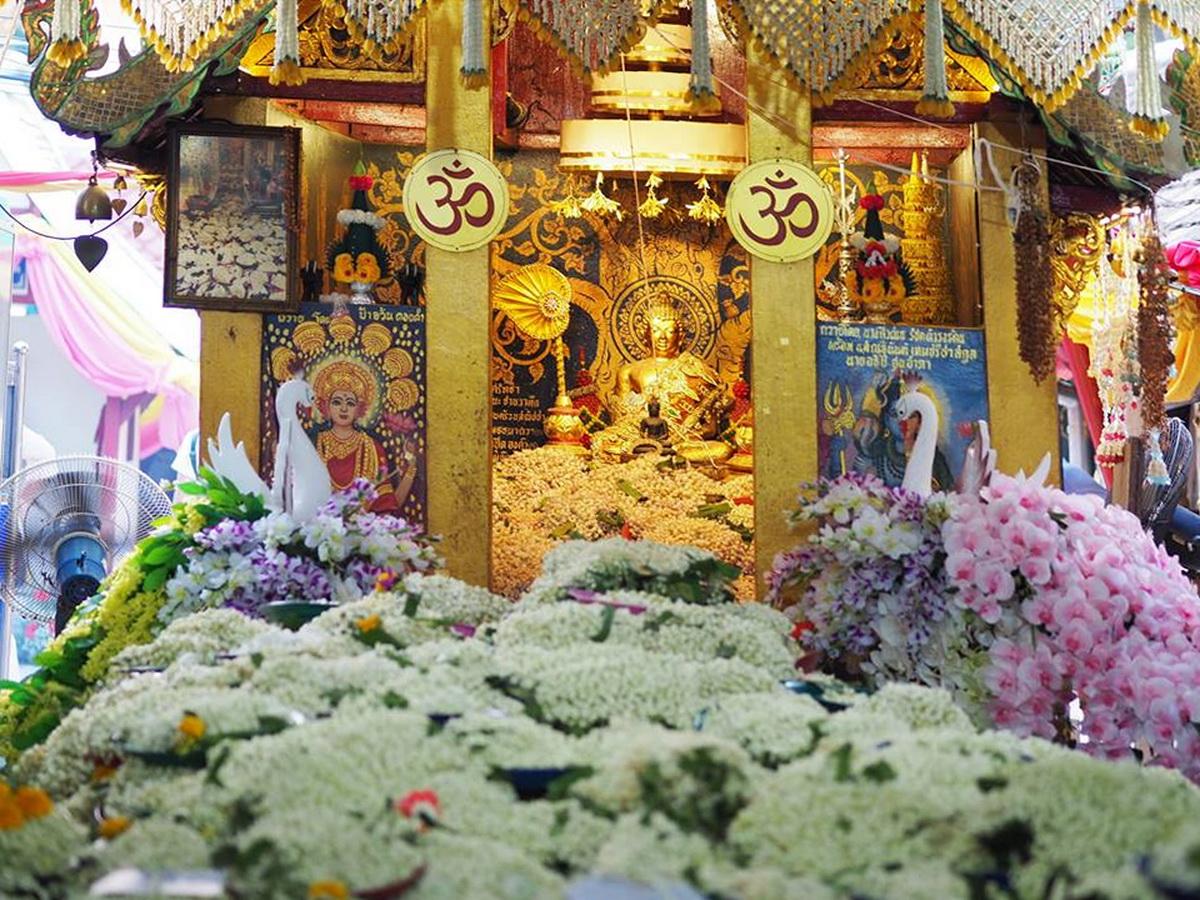 phrathat doi kham temple, wat phrathat doi kham, phra that doi kham, phrathat doi kham